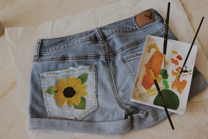 Sustainable DIY – Upcycle your old denim!